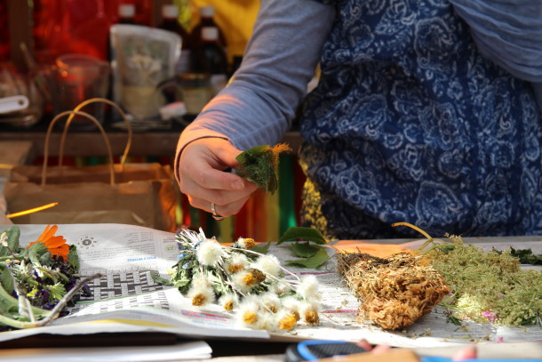 Handling herbs