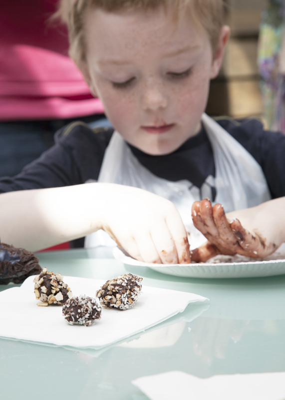 Dalston_Garden_Easter_chocolate_Workshop_17